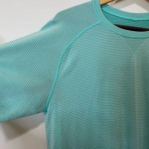 Lululemon men's shirt sleeve shirt